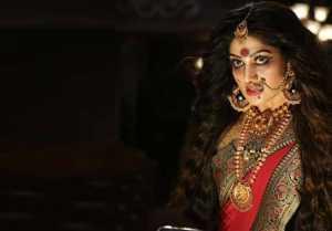 ವಿಭಿನ್ನ ಲುಕ್ ನೊಂದಿಗೆ ನಟಿ ರಾಧಿಕಾ ಕುಮಾರ ಸ್ವಾಮಿ  ಎಂಟ್ರಿ