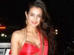 Ameesha Patel Yuvraj Singh Close Together Aid