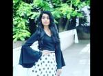 Shruti S Daughter Gowri Singing Video Is Viral In Instragram