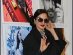 Rekha Accidentally Posed With Amitabh Bachchan Video Goes Viral