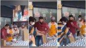 ರುಚಿ ನೋಡಿ, ಗುಣಮಟ್ಟ ಪರೀಕ್ಷಿಸಿ ಆಹಾರ ಕಿಟ್ ವಿತರಿಸುತ್ತಿರುವ ಸಲ್ಮಾನ್ ಖಾನ್