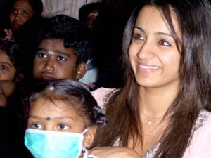 trisha krishnan with cancer patients