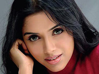 Asin opts out of Akki's film