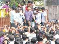 Sudeep Vishnuvardhana Road Show Bellary Hospet Aid
