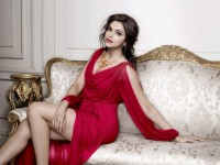 Bollywood A List Heroines Hike Their Prices