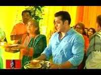 Salman Khan Celebrates Ganesh Chaturthi Sister Arpita Place