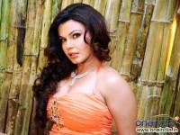 Drama Queen Rakhi Falls In Love With Virat Kohli