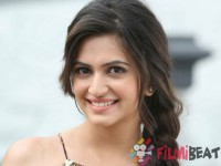 Is Actress Kriti Kharabanda A Relationship With Her Co Star