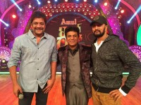 Actor Sudeep And Ravishankar With Shiva Rajkumar In Dance Show Kick