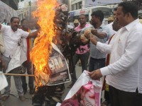 Cauvery Dispute Protestors Stop Screening Of Tamil Films