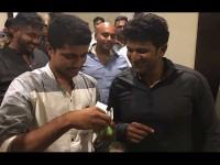 Biggboss Winner Pratham Gives Gold Ring To Puneeth Rajkumar