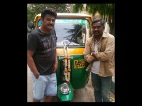 Actor Jaggesh Motivates Auto Driver