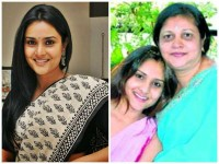 Ramya Wont Join Bjp Says Mother Ranjitha