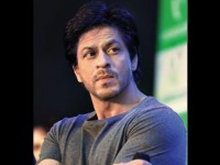 Shah Rukh Khan Escapes Accident On The Shooting Set