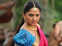 Anushka Shetty Charging Rs 3 5 Crores For Item Song