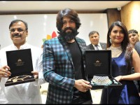 Yash And Radhika Inaugurates Navarathan Jewellers New Branch
