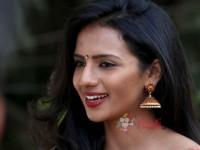 Kannada Actress Shruthi Hariharan Talks About Radio City Cine Awards