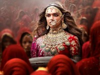Read Deepika Padukone Starrer Bollywood Movie Padmaavat Review