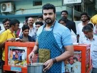 Sada Nimmondige Kannada Actor Srujan Lokesh Sells Bhel Puri