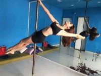 Actress Kriti Kharbanda Did Pole Dance