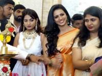 Kannada Actress Sruthi Hariharan Inaugurates Jewellary Mela At Shivamogga