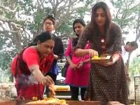 Kannada Actress Haripriya Visits Chamundi Hills