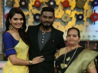Tv Actress Shwetha Prasad And Rj Pradeepa Have Taken Part In Tutta Mutta Game Show