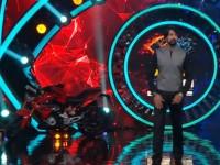 Kiccha Sudeep Gets Bmw Bike As Gift In Bigg Boss Kannada 6 Stage