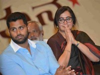 Is Sumalatha Ambareesh Ready To Contest In Mandya Loksabha Election