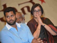 Sumalatha Will Announced Her Decision On March 18th