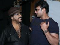 Challenging Star Darshan Wishes To Ravichandran On His Birthday