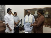 Ravichandran Invited To Siddaramaiah For His Daughter Marria