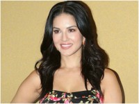 Aamir Khan Birthday Wish To Sunny Leone