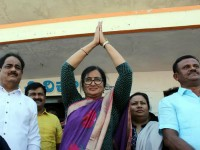 Ragini Dwivedi And Haripriya Congratulated Sumalatha For Her Victory In Lok Sabha Election