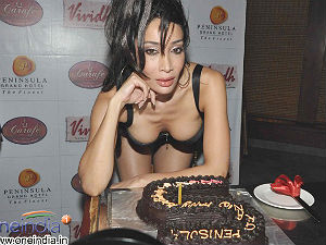 sofia-hayat-in-hot-bikini-on-her-birthday