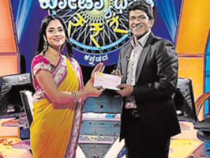 Actress Ramya Wins Rs.3,20,000
