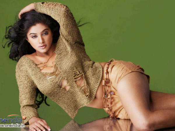 South Indian beauty Priyamani