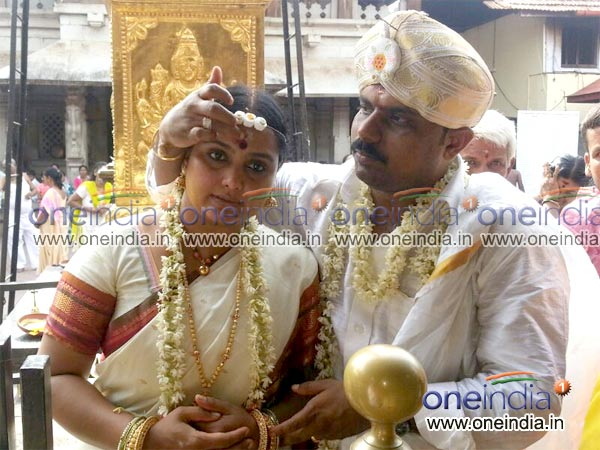 Shruti marriage photo