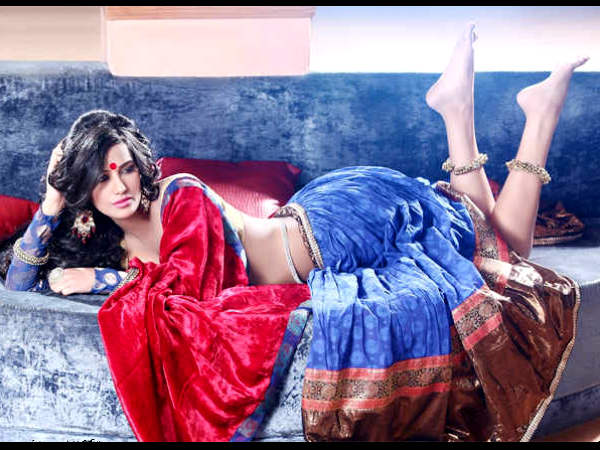 poonam-pandey-arrested-by-mumbai-police-for-indecent-behaviour