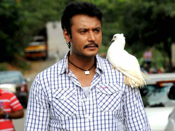 Darshan's Ambareesha to face theatre problem