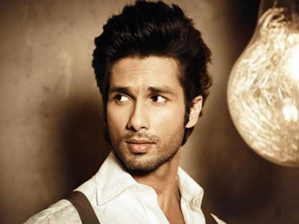 Shahid Kapoor is roped in to play lead in hindi remake of Magadheera
