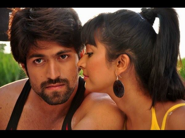 Successful Couple Yash-Radhika Pandit celebrates New Year in Goa1