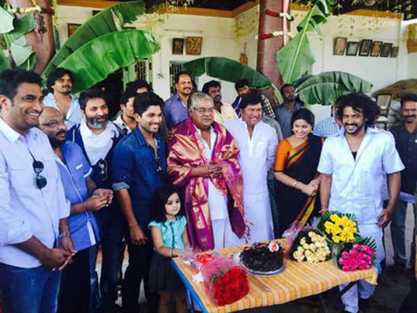 Allu Arjun and Upendra together in the sets of Trivikram Srinivas next