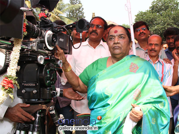 karnataka-film-workers-back-on-sets