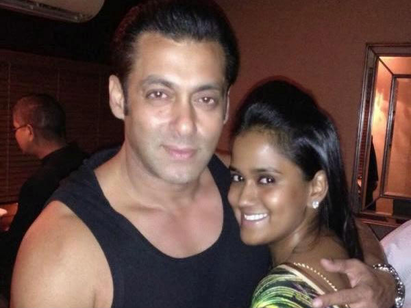 Salman Khan Gifts Unique Painting To Sister Arpita Khan