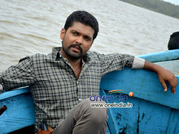 actor-rakshit-shetty-wanted-dead-or-alive