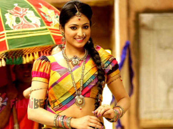 Haripriya to play lead role in Neer Dose?
