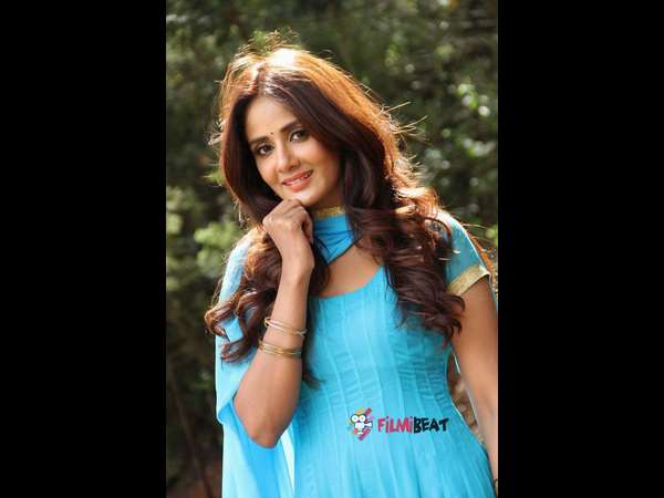Kannada Actress Parul yadav finds love with Kannada movie jessie