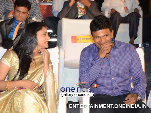 Puneeth and Ramya chosen as brand ambassadors for karnataka govt led bulbs awarness
