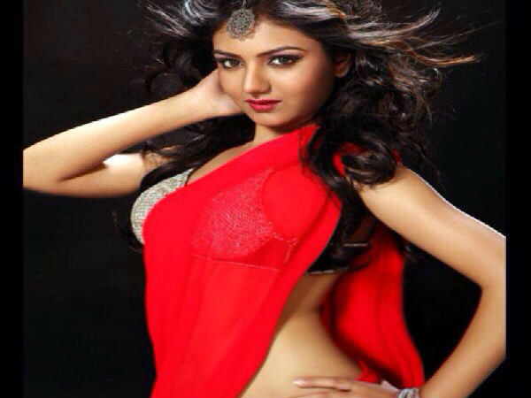 Controversial Telugu Actress Khushi Mukharji making debut in Sandalwood